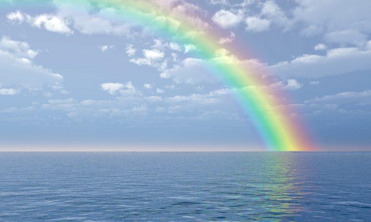 天空出现那一道彩虹_从海上升起的一道彩虹